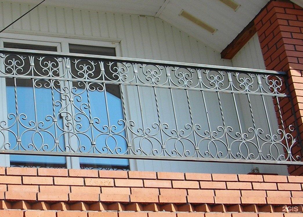 Перила на балкон: фотографии красивых вариантов.