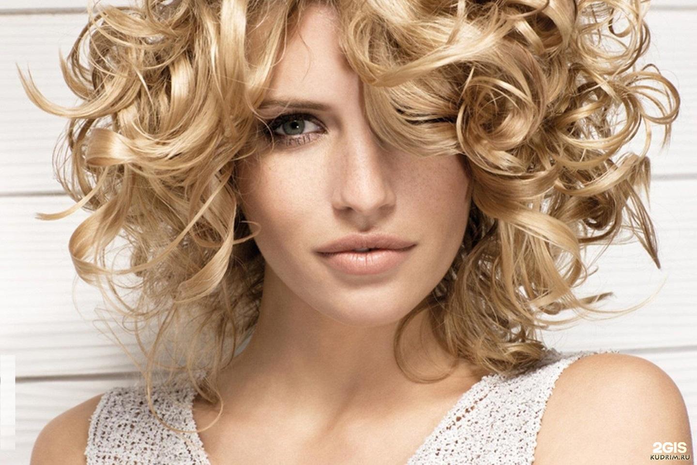 Красивые прически на средние волосы фото кудри