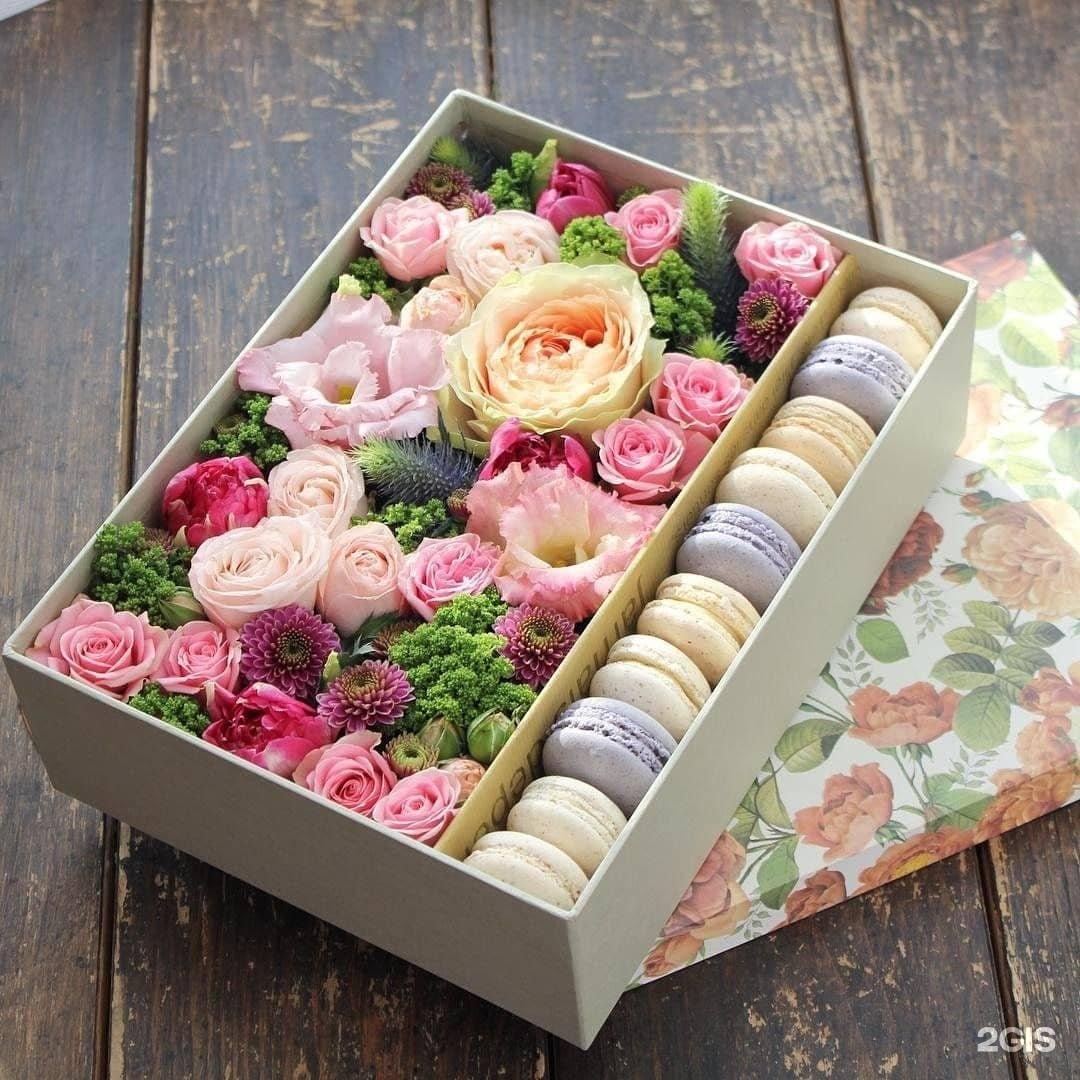 Белых роз, как составить цветочный букет в коробке своими руками