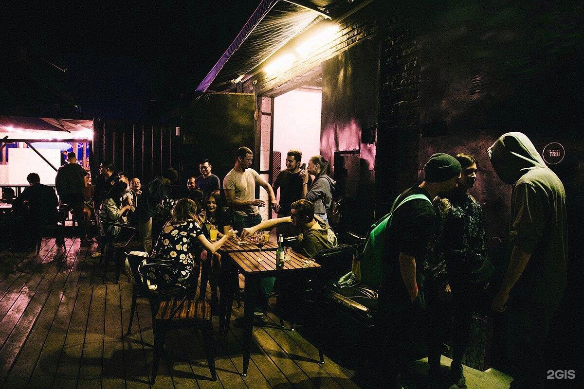Клубы владивостока ночные до 18 зажигалка оренбург мужской клуб официальный